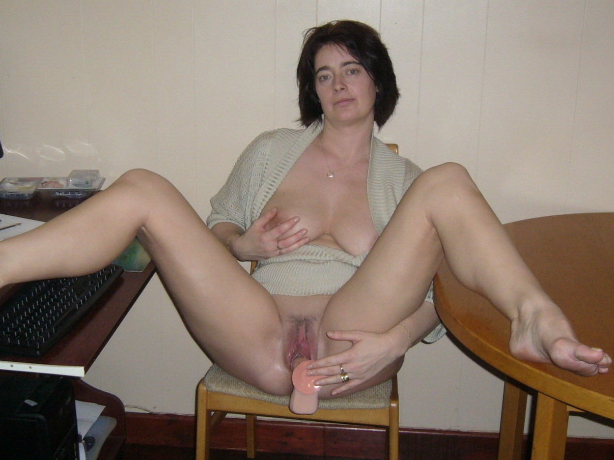 free naked amateur housewives videos