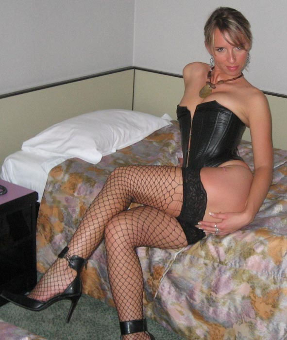 These sites contain only stolen homemade milf photos have never been ...
