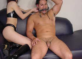Dirty mistress ties her cute slave Image 3